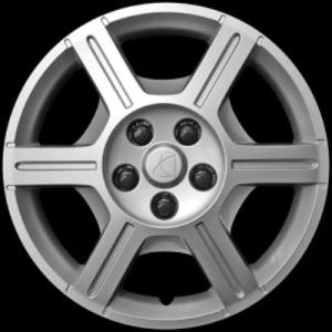 "2006 Saturn Relay 17"" Wheel Cover"